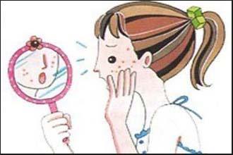 小孩子面上有白颠疯的症状是什么
